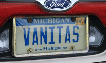 Selfreferential_vanity_plate